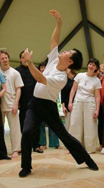 Teacher Li Jun Feng demonstrating Kuan Yin Standing